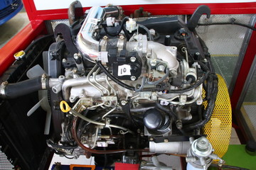 a complete picture of the Toyota Fortuner engine, the type of diesel engine, to be made to study the practice of car engine technicians in the workshop, Batang Indonesia, July 22, 2019