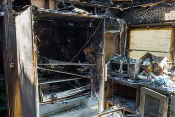 火事で焼けた冷蔵庫