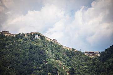 Printed kitchen splashbacks Khaki Great Wall of China in summer landscape with beautiful sky.