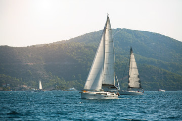 Fototapete - Sailing yacht boats regatta at Aegean Sea - Greece islands.