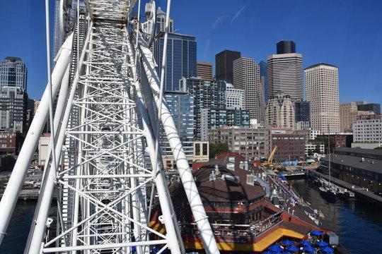 The Seattle Great Wheel in Seattle, Washington