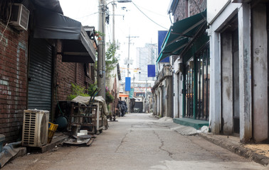 Foto auf Acrylglas Schmale Gasse Old narrow alley Korea. streets and narrow alleyways of Korea.