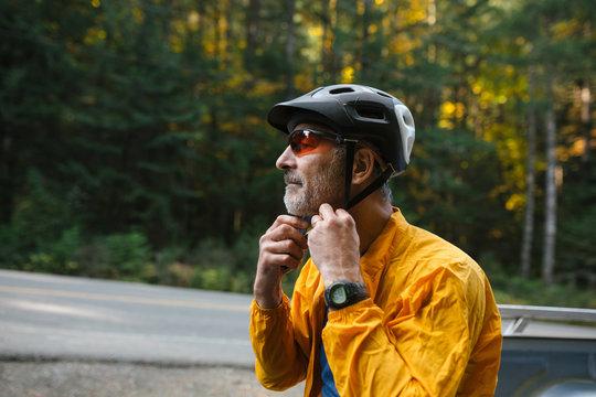 Active mountain bike man