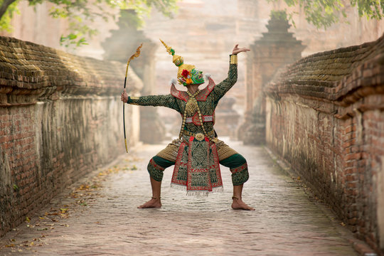 Art culture Thailand Dancing in masked khon(Mime) in literature ramayana,Tos-Sa-Kan is character in thailand,A mime or mime artist is a person who uses mime as a performance art.
