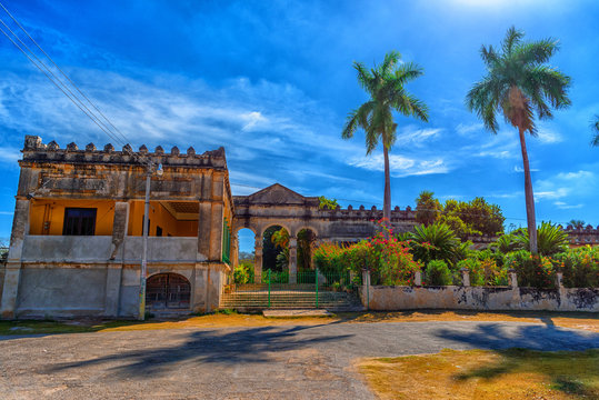 Ancient Hacienda and the Museum of Yaxcopoil.