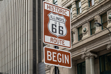 Fotobehang Route 66 Route 66 Illinois Begin road sign, the historic roadtrip in USA