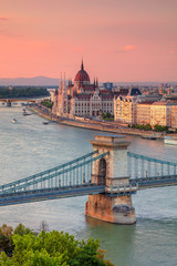 Foto op Canvas Boedapest Budapest, Hungary. Aerial cityscape image of Budapest with Szechenyi Chain Bridge and parliament building during summer sunset.