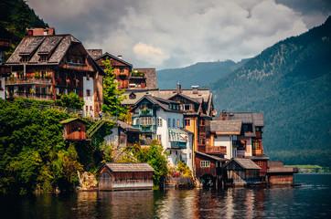 Hallstatt, Austria: houses and famous lake Fototapete