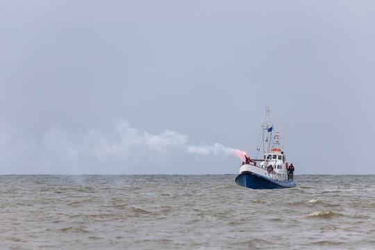 visual signal showing ship in distress