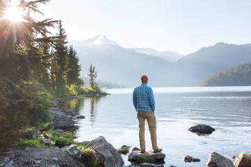 Relaxing on mountain lake Fototapete