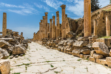 The ruins of Jerash in Jordan are the best preserved city of the early Greco-Roman era, it is the largest acropolis of East Asia.