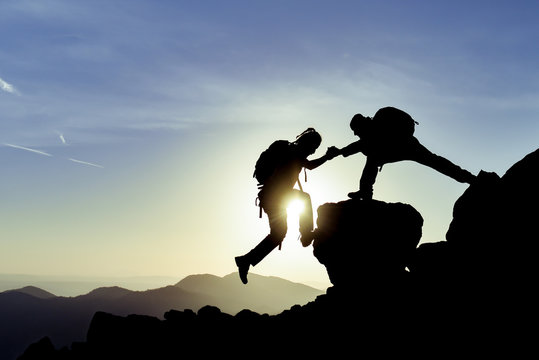 fight for the goal and reach the summit together