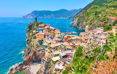 Foto auf Leinwand Blau Vernazza small town in Cinque Terre