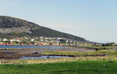 Brücke zur Vogelinsel Runde in Norwegen