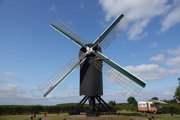 Alte niederländische Windmühle