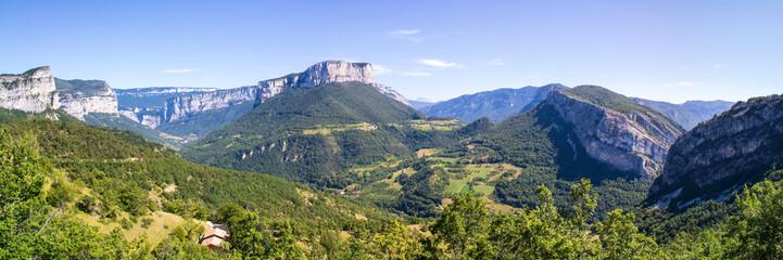 Panorama sur le massif du Vercors depuis le col de Toutes Aures, Choranche, Isère, France Fototapete