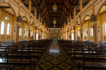 Poster Lieu de culte Interior view of Cathedral of the Immaculate Conception in Chantaburi Thailand