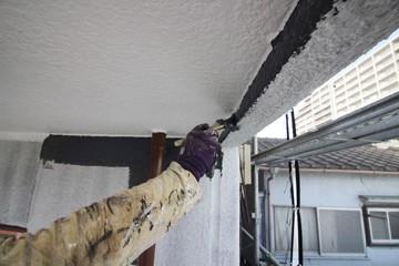 マンションを手塗りで外壁塗装