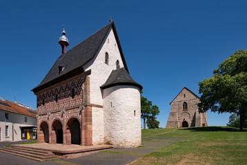 Blick auf das Weltkulturerbe Kloster Lorsch in Hessen, Deutschland