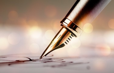 Signing a signature with a fountain pen