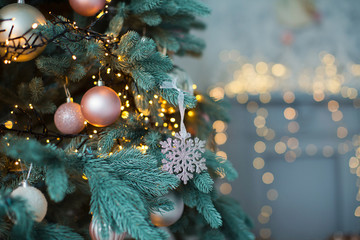 Christmas tree with pink and gold decorations