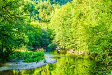 Fliegenfischer im Jura der Franche Comté
