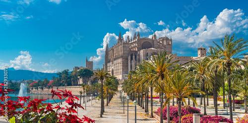 Wall mural Landscape with Cathedral La Seu in Palma de Mallorca islands, Spain