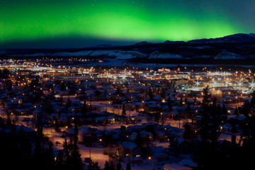 Northern Lights over Downtown Whitehorse Fotomurales