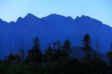 Aluminium Prints 北アルプス笠ヶ岳への道 小池新道 鏡平の風景 暁に佇む穂高連峰