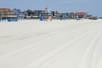 Breiter Strand und schöner Ort // Wide beach and nice town