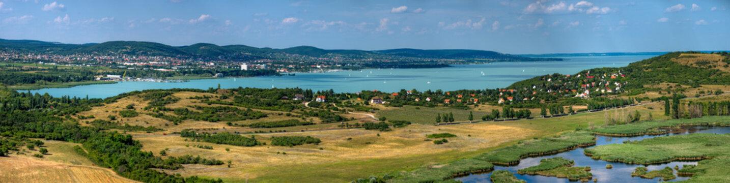 Die Landschaft auf Tihany, einer Halbinsel im Plattensee, Ungarn