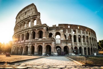 Photo sur Plexiglas Rome Colosseum At Sunrise In Rome, Italy