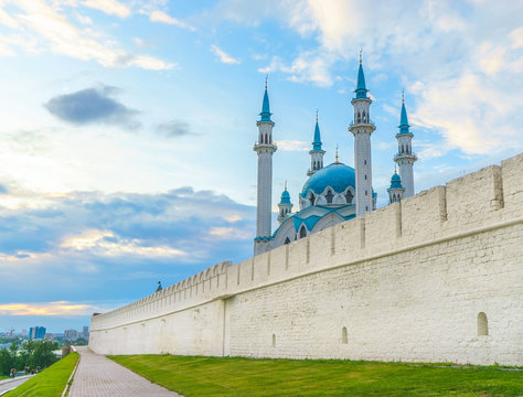 Kul Sharif mosque and the white walls of the Kazan Kremlin. Russia