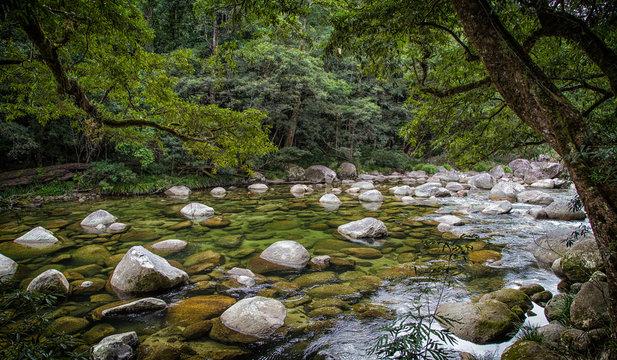 The Mossman river running through Mossman Gorge, Daintree National Park near Port Douglas in tropical Far North Queensland, Australia.