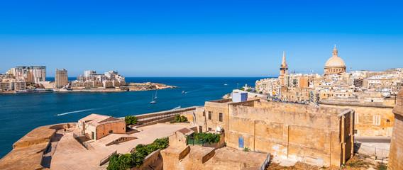Fotomurales - Panoramic view of Valletta, capital of Malta.
