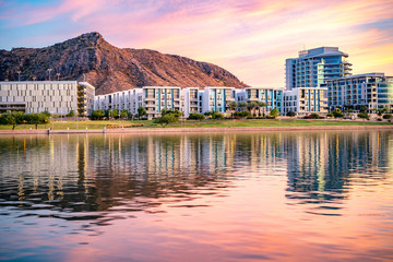 Foto op Plexiglas Arizona Tempe Town Lake Glistening at Sunset