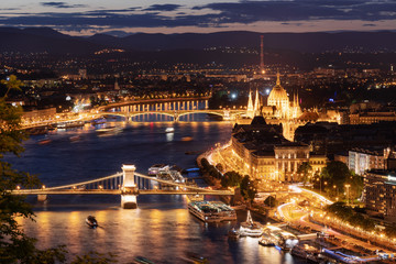 Wall Murals Kiev Budapest city, Hungarian Parliament and the Chain Bridge in Hungary