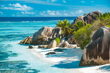 Photo sur Aluminium Plage The most beautiful beach of Seychelles - Anse Source D'Argent