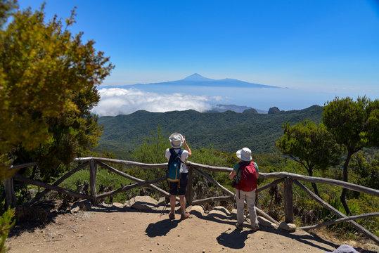 Wanderer auf der Insel La Gomera / Kanaren
