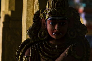 Fototapete - Stone carved statue in Hindu Temple -  Guardian deities