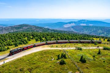 Fototapeten Himmelblau Brockenbahn auf dem Brocken