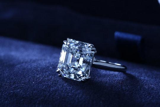Asscher Cut Diamond Angle 5