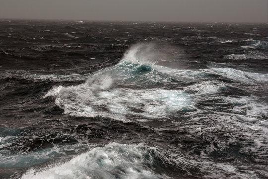 ocean, blue, power, sea, splash, coast, water, cool, nature, spray, motion, weather, crash, beach, waves, coastal, fresh, rushing, background, splashing, closeup, powerful, environment, close-up, ston
