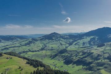 Schöne Erkundungstour durch die Appenzeller Berge in der Schweiz. - Appenzell/Alpstein/Schweiz Fotoväggar