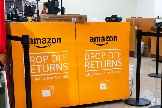 August 1, 2019 Mountain View / CA / USA - Amazon Drop off returns area in a Kohl's department store; starting with July, you can return products bought from Amazon for free at a Kohl's store