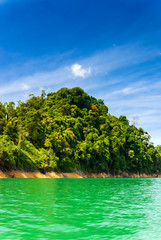 Fototapete - Lake Batang Ai, Batang Ai National Park, Sarawak, Malaysian Borneo, Malaysia.
