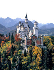 Printed kitchen splashbacks Historical buildings Germany, Bavaria, Neuschwanstein Castle. Tourists flock to King Ludwig II's Neuschwanstein Castle in Bavaria, Germany.