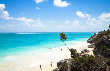Wall Mural - Cancun, Quintana Roo, Mexico - High angle view of people on a tropical beach.