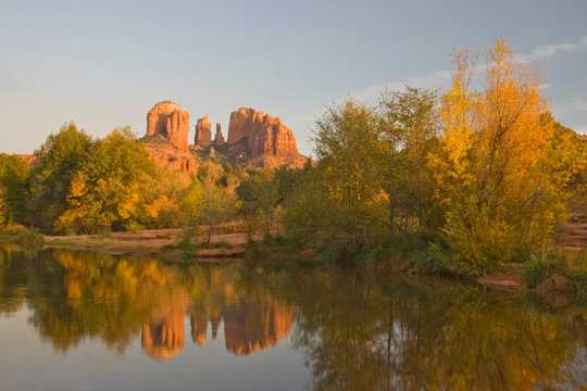 AZ, Arizona, Sedona, Crescent Moon Recreation Area, Red Rock Crossing; Oak Creek with Cathedral Rock