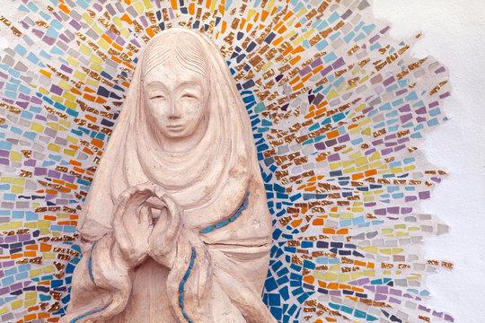 USA, California, San Diego. Statue of Virgin Mary at Mission San Diego de Alcala. Credit as: Don Paulson / Jaynes Gallery / DanitaDelimont.com